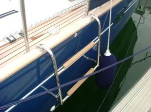 Boarding ladder - down